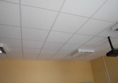 6pose-plafond-salle-classe-lapendry-menuiserie