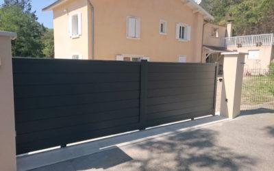 Portail ou porte de garage motorisée ?