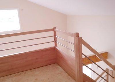 Gîte en création: pose escalier et garde au corps