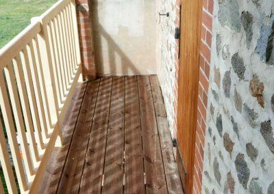Balcon balustrade avec plancher bois - Lapendry