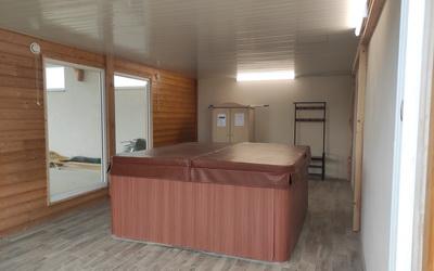 aménagement et isolation d'un espace spa pour un gite par lapendry menuiserie Loire